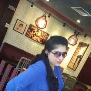 Mishu Khattar Travel Blogger
