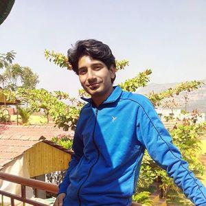 Shreyak Paralkar Travel Blogger