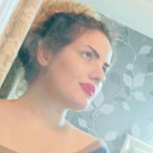 Nasim Basiri Travel Blogger
