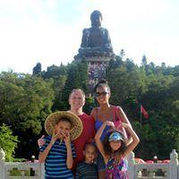 Sommer Jones Travel Blogger