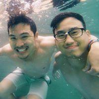 VotreX Tan Travel Blogger