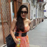 Meenakshi Oberoi Travel Blogger
