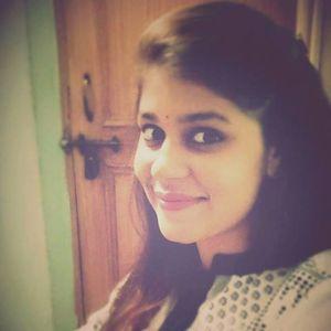 Ayushee Chaudhary Travel Blogger