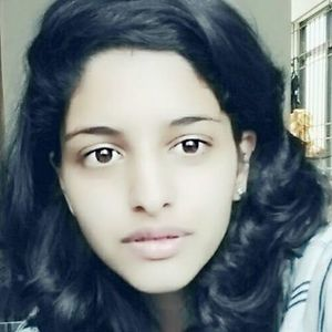 Huda Abbas Travel Blogger