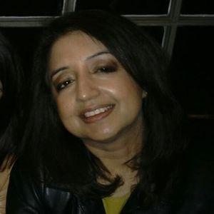 Shanthi Balakrishnan Travel Blogger