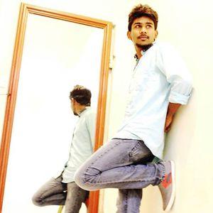 Azad Reese Travel Blogger