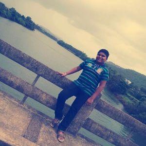 Suyash Pagar Travel Blogger