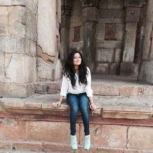 Srishti Bhatnagar Travel Blogger