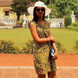 Divya Khurana Travel Blogger