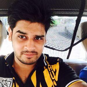 Prateek Kushwaha Travel Blogger