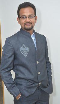Hiren Patel Travel Blogger