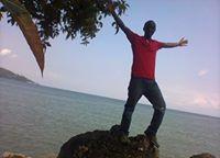 August Ndik Travel Blogger
