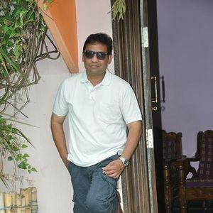 Sudarsan Veluri Travel Blogger