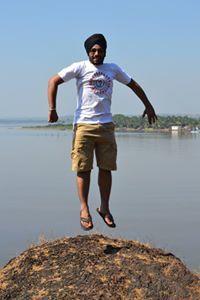 Maninder Khaira Travel Blogger