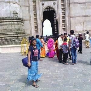 Anshu Singh Travel Blogger