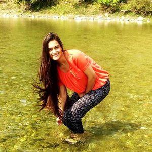 Era Hashia Travel Blogger