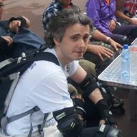 Alex Estrada Travel Blogger