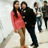CA Esha Agarwal Travel Blogger