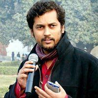Faroghe Azzam Travel Blogger