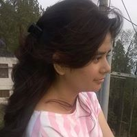 Akshita Dhapola Travel Blogger