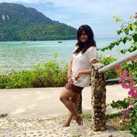 Drashti Thakrar Travel Blogger