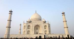 A White Wonder  - The Taj Mahal!