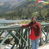 Rini Chakraborty Travel Blogger