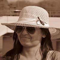 Roshni Chakraborty Travel Blogger