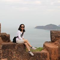 Sana Shaikh Travel Blogger