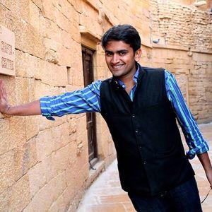 Poshak Maheshwari Travel Blogger