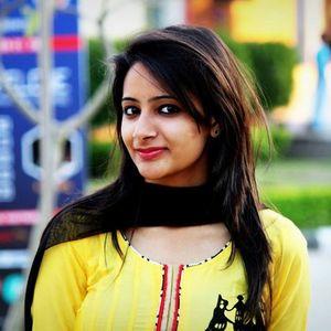Pooja Gahlot Travel Blogger