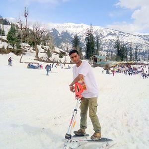 Shreyash Shah Travel Blogger