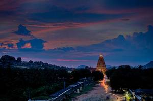 Listen To A Silent City – Hampi