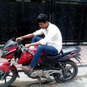 PrAnshu Gupta Travel Blogger