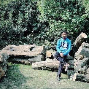 Vineet Jaiswal Travel Blogger