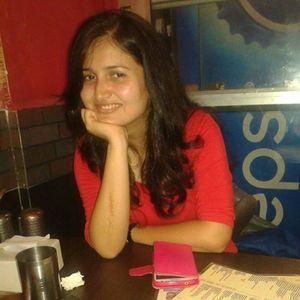 Sana Khan Travel Blogger
