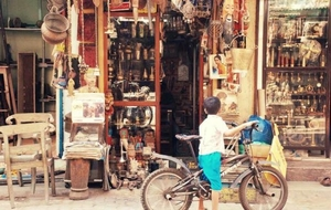 A Local's Guide To Exploring The 15 Shopping Streets Of Mumbai