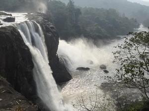 Munnar and Thekkady- Lush green tea gardens to aromatic spice plantations
