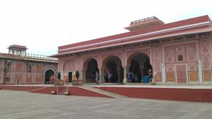 Jaipur : A Photo Guide