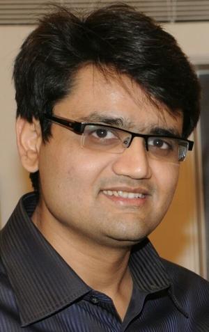 Hardik Shah Travel Blogger