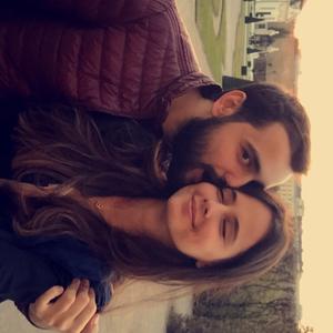 Zeynep Travel Blogger