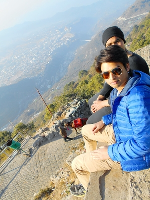 karan Travel Blogger