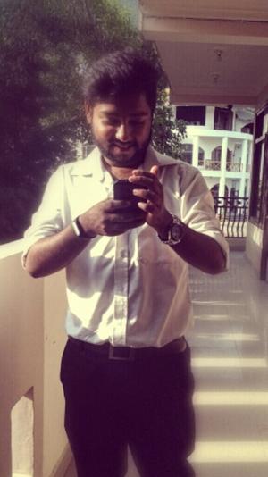 Armaan Farshori Travel Blogger