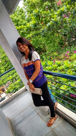 komal Travel Blogger