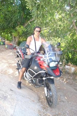 Niko Travel Blogger