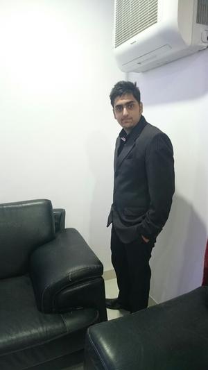 Chirag Bhalla Travel Blogger