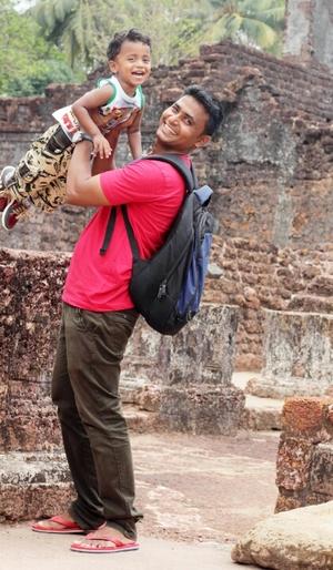 Nazeer Polya Travel Blogger