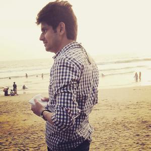 Ashish Travel Blogger