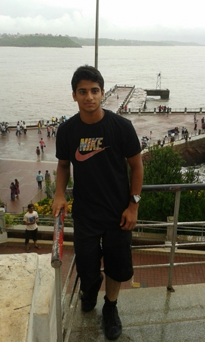 Aamir Parkar Travel Blogger