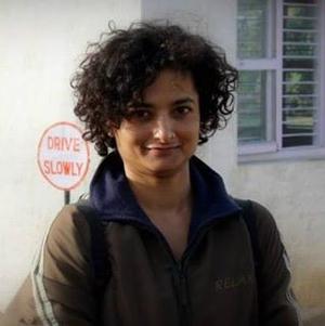Esha Gupta Travel Blogger